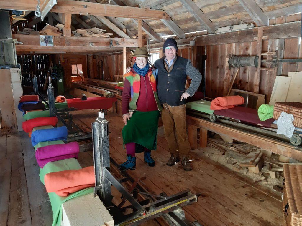 Hertha und Roland in der alten Säge